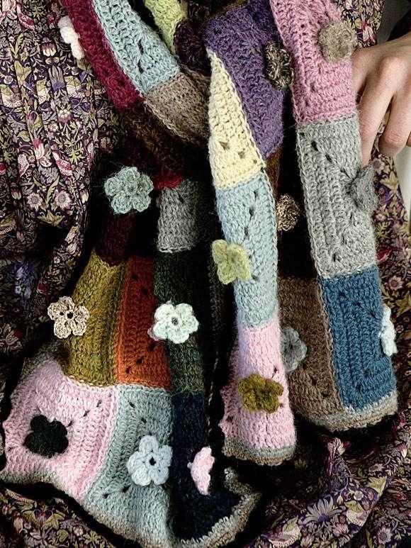 Miks dine personlige farvefavoritter til et flot tørklæde med bedstemorfornemmelser.