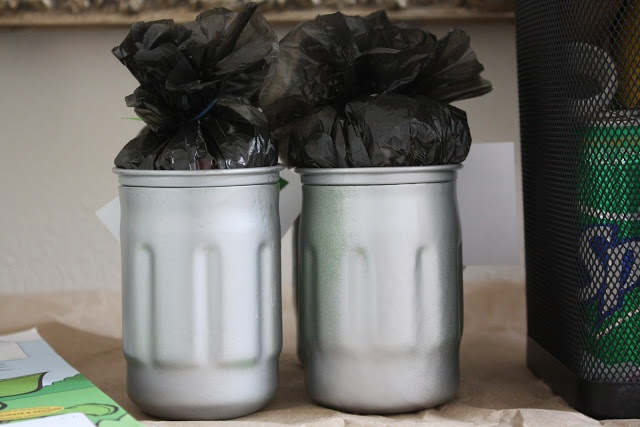 Going to make these for Trash Pack Party invitations! BellaGrey Designs: DIY * Trash can Tutorial