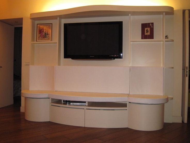 parete attrezzata con sedute tappezzate