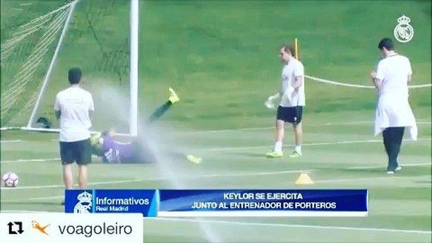 Training with @keylornavas1 @realmadrid  _______________________________________________________ #goalkeeper #goalkeepers #goalkeepertraining #goalkeepercoach #goalkeepercoaching #torwart #torwarttraining #torwarttrainer #keeper #målvakt #målvaktsträning  #gardiendebut #portiere #målmandstræning #soccer #football #fussball #sport #bramkarz #bramkarze #goleiro #goleiros #portero #kaleci #love #training #golman #realmadrid #spain