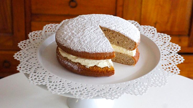Honey spiced sponge cake. Find the recipe at http://anniesbakehouse.com/2014/11/17/grans-honey-sponge-cake/