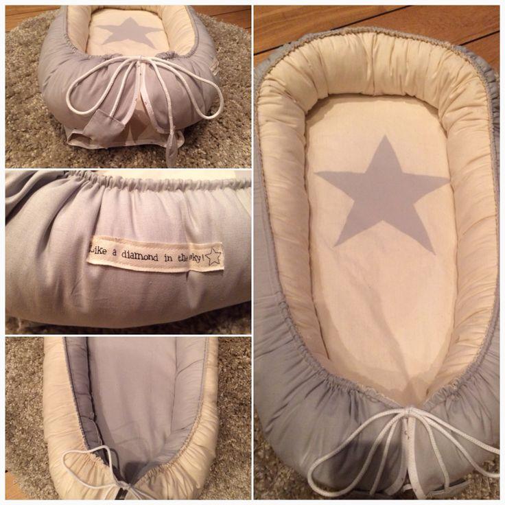 Mina egensydda babynest / sovpöl / snugglenest. Ljusgrå med naturfärgad bomull. Kan göras på beställning i andra färger och tygmönster. Stor ljusgrå stjärna i mitten. Gå in på Facebook och sök upp gruppen Sylvie's Babynest för mer info och bilder! :)