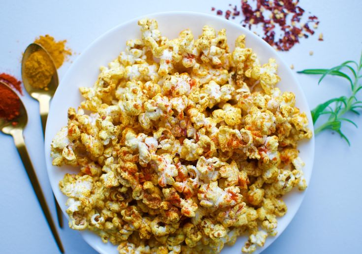 Spicy cheezy popcorn