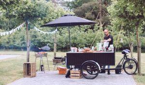 BBQ cateraar op je bruiloft:http://baq-fiets.nl/project/bbq-op-je-bruiloft/