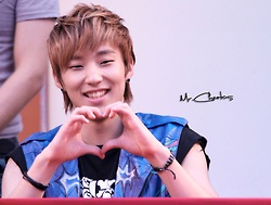 [FACT]: Jongup is interested with the Rookie artist Lee Hi <3.<3