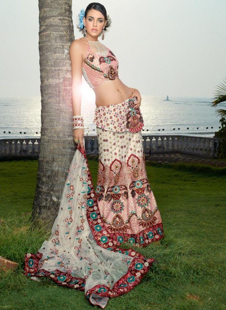 30eb6351b002e01ec9a0ec37057cdd0e--indian-party-indian-bridal Asian Bridal Dress 2015