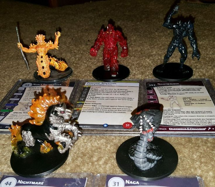 Dungeons and Dragons miniatures lot of 24 Psychic Sentinel, Naga, Nightmare