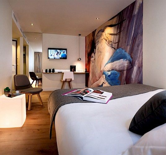 Max hotel paris official website 3 star design boutique hotel with 19 rooms near montparnasse and porte de versailles the rooms are equipped with