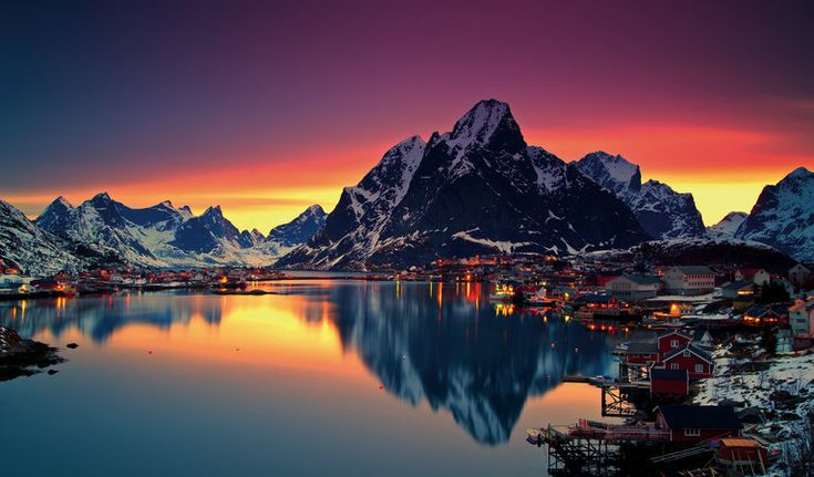 Reiseforslag i Lofoten - Vinterlys i Moskenes - © Christian Bothner/nordnorge.com