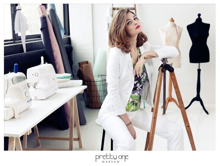 biały elegancji garnitur
