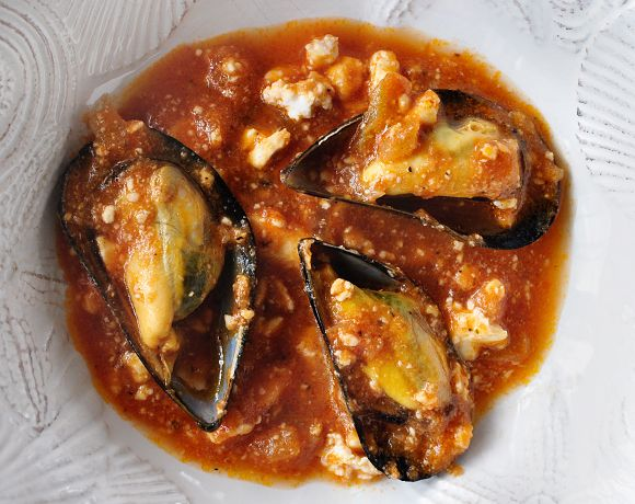 Everytime I want to feel the taste of the sea, I buy blue mussels. I love to scrub and clean their dark blue shells, to check for brok...