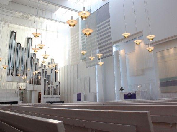 ヘルシンキ近郊にある光の美しい教会へ行こう!
