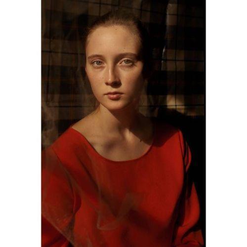 Flames #model Julia @myskena @kolorowe_szkielko @vogueitalia...  Flames #model Julia @myskena @kolorowe_szkielko @vogueitalia #auniqueportrait #huaweipvf2017 @huaweimobileit #ooo #ritrattopersonale #portrait #photovogue #vogue #fashion #nomakeupday #photography http://ift.tt/2vI5T9P