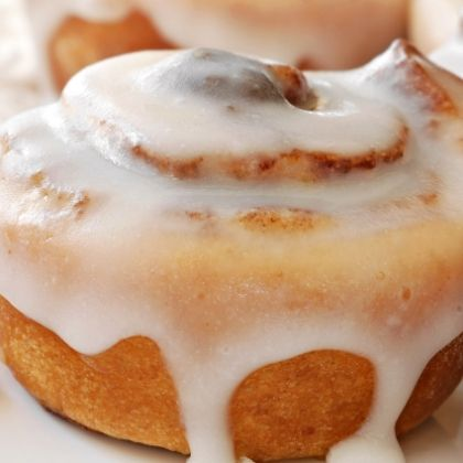 Sweet and creamy. Always a favorite.. Easy Cinnamon Buns Recipe from Grandmothers Kitchen.