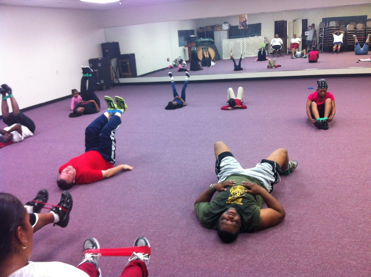Working 'em out at Bayview Baptist in #SanDiego (6134 Benson Ave) #SiriusFitness Fit Club