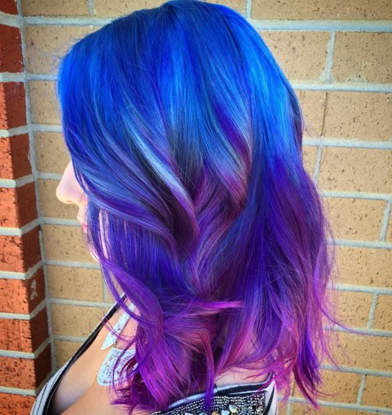 coloration bleu rose violet pour donner un effet galaxie aux cheveux - Coloration Permanente Bleu