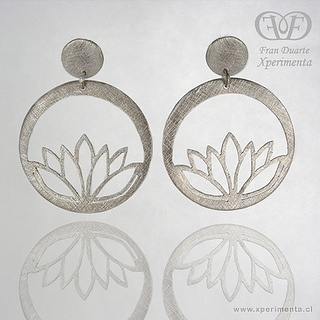 Aros plata calados flor loto. Xperimenta Fran Duarte by Xperimenta / Fran Duarte / Joyeria contemporanea, via Flickr