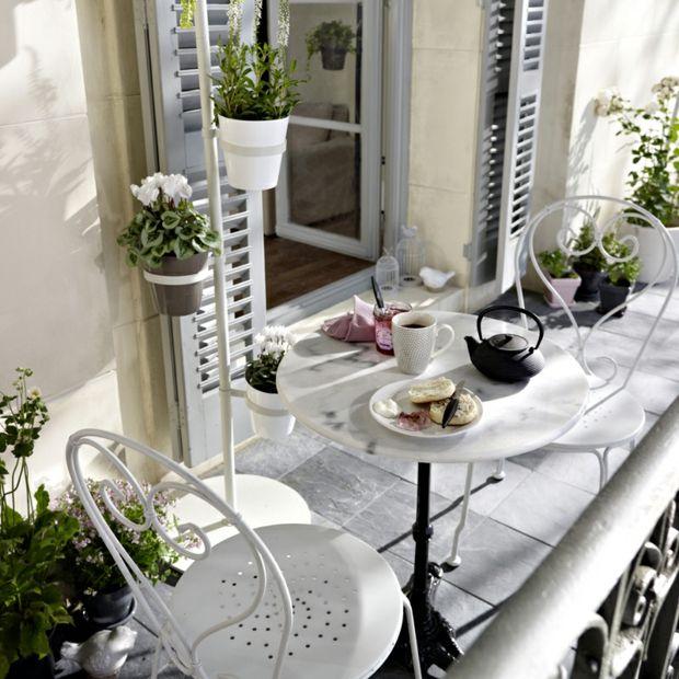 Design Ideen Schmiedeeisen kleiner Balkon Tisch rund