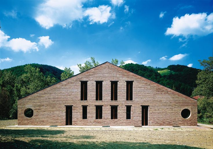 Paolo Zermani, again manipulates the building by local building type and universal form. This is a good example for combination of regionalism and modernism.