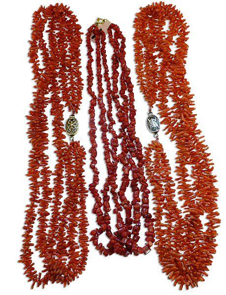 Faszinierende Stäbchen-Korallenketten üppig, für eine Schatzkammer zum Wühlen - Ein Paradies für eine Meerjungfrau Echte Koralle | Naturprodukt Schmuck antik, neu und vintage kaufen verkaufen.