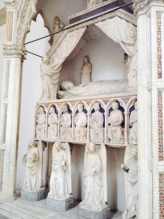 Museo Diocesano Napoli.Monumento Funebre Di Maria D Ungheria Di Tino Da Camaino Museo