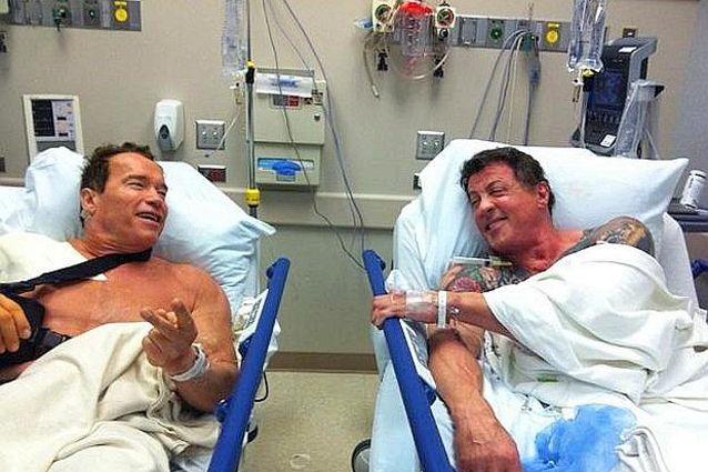 Fall of Two American Hero - When Viagra Calls ... http://gossip.fanpage.it/rambo-e-terminator-in-ospedale-stallone-e-schwarzy-compagni-di-stanza/