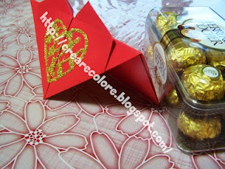 """♥ Letters to rest a bag on the table. Place near a gift """"sweet""""."""