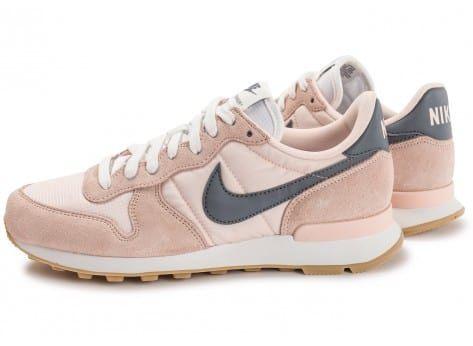 Chaussures Nike Internationalist W rose pâle vue extérieure