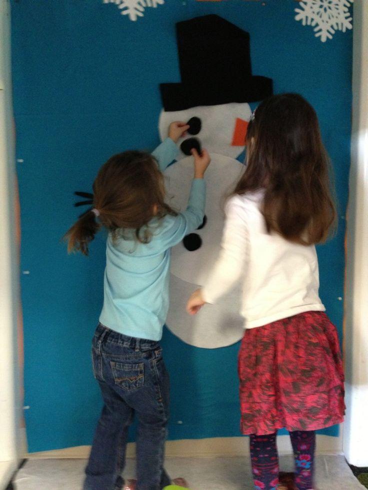 Dramatic Play: Winter Wonderland! Build a Snowman Felt Wall