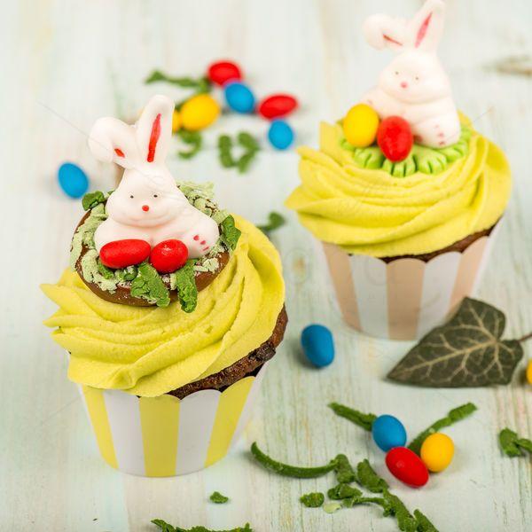 Cel mai vesel iepuras este decorul dulce al acestui cupcake personalizat pentru Paste. Alege sa faci un cadou deosebit celor dragi.  Pret: 80 lei/ 5 buc.