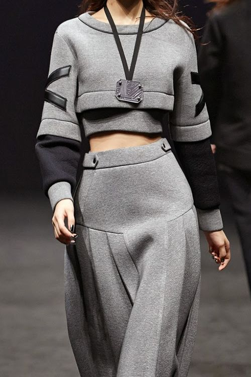 Cropped sweatshirt & long pleated skirt; sporty chic fashion details // Cres. E Dim FW14