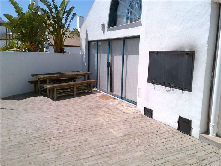 2 Slakkepas - 2 Slakkepas is a free standing house in a complex which has a communal swimming pool and games room with table tennis and a pool table. It is situated a mere 200 m to the lovely long white beach - an ideal ... #weekendgetaways #dwarskersbos #southafrica