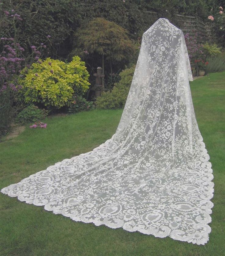 Vintage Lace Wedding Veil - Shawl - Throw - Spanish Origin