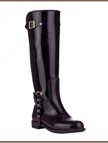 Fashionable Wellies is where it's at! I like these by Valentino