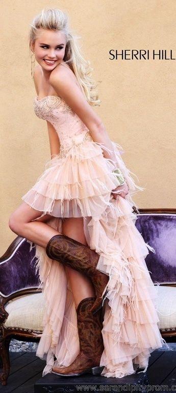 ショート丈が今の気分♡ピンクのミニ スカート ウェディングドレス・カラードレス・花嫁衣装のまとめ一覧♡                                                                                                                                                      もっと見る