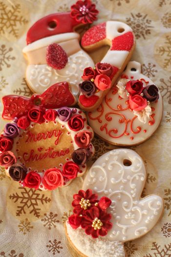 beautifully decorated cookies make great gifts for neighbours and not-so-geographically-close family and friends