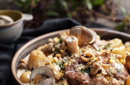L'osso buco de porc du Québec à la mijoteuse de style chaudrée de palourdes est une autre façon de savourer le porc du Québec