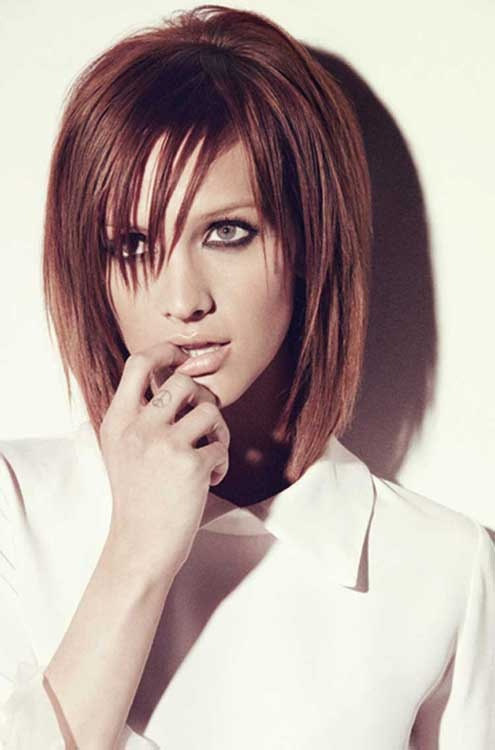 Ashlee Simpson's GIANT magazine photoshoot ; auburn shoulder length cut