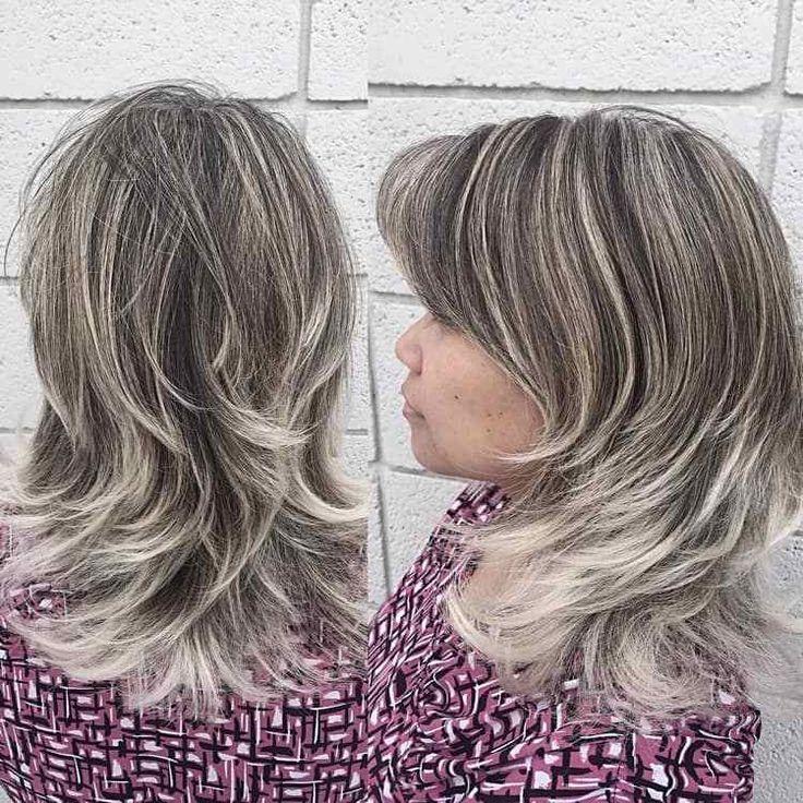 Graue Haare mit Strähnchen aufpeppen: Bilder und tolle