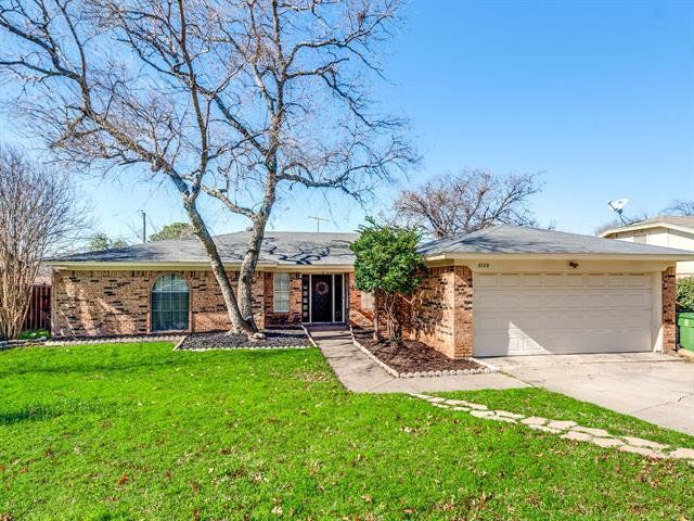 Home For Sale At 3729 Billie Faye Dr North Richland Hills Tx