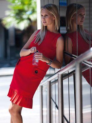 Kleid - plissierte Saumblende