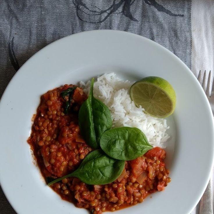 Linssejä tomaattikookoskastikkeessa a.k.a reissusafka #linssit #tomaatti #kookos