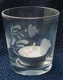 Glas graveren met multitool van de lidl.          Ogen , mond en neus beschermd tegen fijnstof .             Een schaal, een flesje, glas met waxinelichtje en een plantje en ik he
