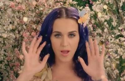 """Katy Perry lança clipe no melhor estilo conto de fadas para música """"Wide Awake"""""""
