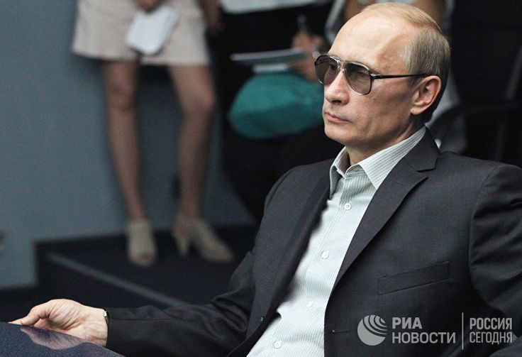 Каменное лицо Путина — не случайность: «У него десять фотографов»   22.05.2017   http://inosmi.ru/politic/20170522/239388089.html