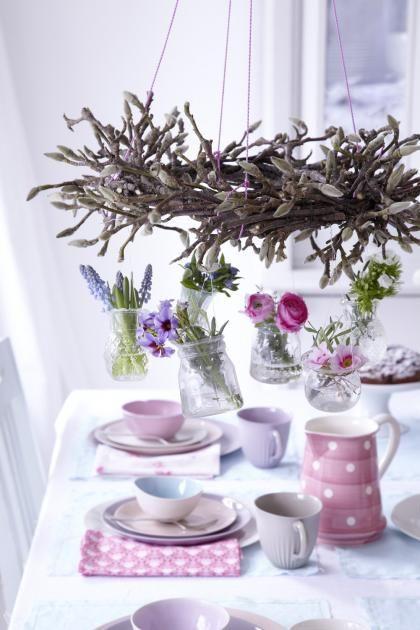 Frühlingskranz mit Hänge-Vasen : Vasen für den Kranz vorbereiten   LIVING AT HOME