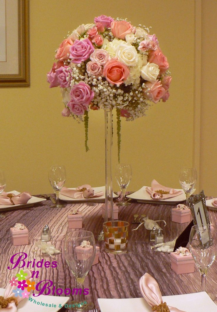 Tall Centerpiece With Roses Spray Roses Baby S Breath Hydrangea Amp Hanging Amaranthus On