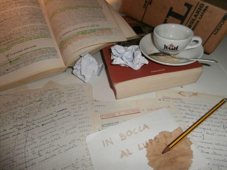 Dedicato a tutti gli studenti.  E ricordatevi che comunque vada...gli esami sono solo una parentesi della vostra BELLISSIMA VITA!  :-) In bocca al lupo!