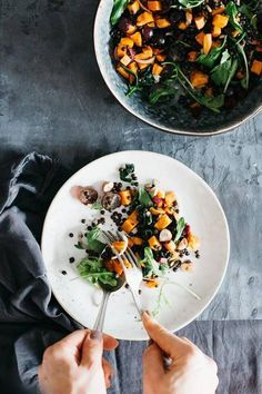 Nutrient-rich fall salad with lentils, grapes and pumpkin | http://TheAwesomeGreen.com