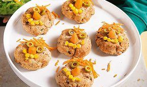 Hambúrgueres de peixe com salmão e pescada. Uma óptima ideia para pedir ajuda aos seus filhos na cozinha.
